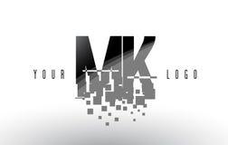 Mk M K Pixel Letter Logo avec les places noires brisées par Digital Photographie stock libre de droits