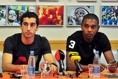 Mkhitaryan and Fernandinho watching Royalty Free Stock Photography