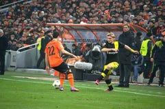 Mkhitaryan mot den Borussia spelare Royaltyfri Fotografi
