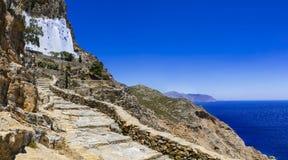 Mäktig kloster Panagia Hozovitissa, Amorgos, Grekland Royaltyfria Bilder