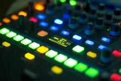 Mélangeur d'audio du DJ Photos stock