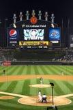 MLB -晚上棒球在芝加哥 库存照片