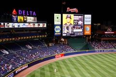 MLB Atlanta Braves - tabellone segnapunti e outfield Fotografia Stock