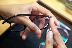 Mleje obiektyw w eyeglass fotografia stock