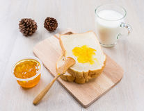 Mleko, chleb i dżem, Fotografia Stock