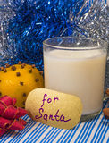 Mleko dla Santa na wigilii Fotografia Royalty Free