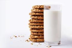 Mleko i ciastka z seds Obrazy Stock