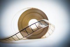 35mm与选择聚焦的电影卷轴在影片葡萄酒颜色神色 免版税图库摄影