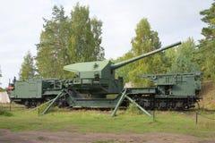 180 mm在射击阵地的枪登上TM-1-180 堡垒Krasnaya戈尔卡,列宁格勒地区 库存图片