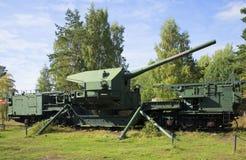 180 mm在射击阵地的火炮登上TM-1-180 堡垒Krasnaya戈尔卡(Krasnoflotsk),列宁格勒地区 免版税库存照片