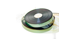 35 mm在白色背景隔绝的电影卷轴 免版税库存照片