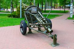 120 mm 1938在军事荣耀胡同的模型团矿投掷者在优胜者公园,维帖布斯克,白俄罗斯 免版税库存图片