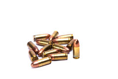 9mm 在whitebackground的子弹 库存图片