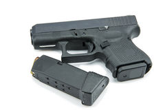 9mm automatiques pistolet de pistolet sur le fond blanc Images libres de droits