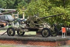 37 mm dubbel-barreled luchtafweerkanon in de stad van Tint, Vietnam Royalty-vrije Stock Afbeeldingen