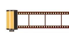 35mm filmkanister med tomma fotoramar, vit bakgrund arkivfoton