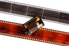35mm fotofilm Oude negatieve fotofilm geïsoleerd op wit Fotografische die filmstrook op witte achtergrond wordt geïsoleerd zwart Royalty-vrije Stock Afbeelding
