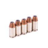 9mm Kugel für ein Gewehr lokalisiert auf weißem Hintergrund Stockfoto