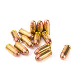 9mm Kugel für ein Gewehr lokalisiert auf weißem Hintergrund Lizenzfreie Stockfotos