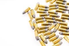 9mm Kugel für Gewehr auf weißem Hintergrund Stockfotos