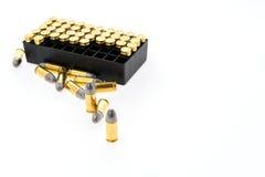 9mm kula för vapen på vit bakgrund Arkivbilder