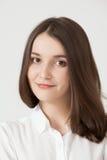 2 200mm 70 8l καλυμμένες χαμογελώντας usm νεολαίες γυναικών κανόνων φ πορτρέτο Στοκ Εικόνες