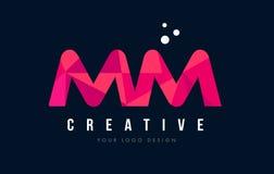 MM M M与紫色低多桃红色三角概念的信件商标 库存照片