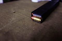 9mm munitie met patronen royalty-vrije stock afbeelding