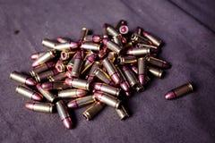 9mm Munition mit Patronen Stockfoto