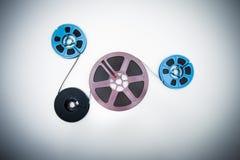 8mm verschiedene Spulen angeschlossen mit Film Lizenzfreie Stockfotografie
