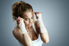 mma muay готовая s людей ноги колена kickboxer пинком карате самолет-истребителя искусства kickboxing улица taekwondo военного та Стоковое Изображение RF
