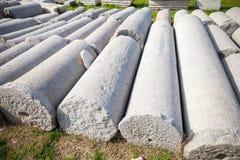 Mnóstwo antyczne kolumny kłaść z rzędu smyrna Izmir, Turcja Zdjęcia Royalty Free