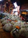 Mnóstwo Jaśminowi girlanda kwiaty dla sztuki Buddha statuy w Tajlandia świątyni Obraz Stock