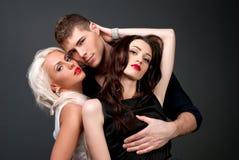Män och kvinnaförälskelse. Varm kärlekshistoria. Royaltyfria Foton