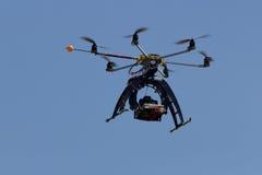 Mång- rotorsurr Arkivfoto