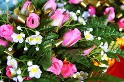 Många plast- blomma Arkivbilder