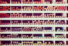 Mångfärgade blyertspennor i lager Royaltyfria Bilder