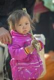 Mniejszości etnicznej dziecko przy starym Dong Van rynkiem, Obraz Stock