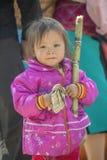 Mniejszości etnicznej dziecko przy starym Dong Van rynkiem, Obrazy Stock