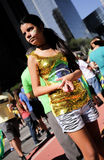 Moça agradavelmente vestida na pro reunião da destituição Fotografia de Stock