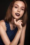 Moça atrativa que levanta no estúdio Fotografia de Stock Royalty Free