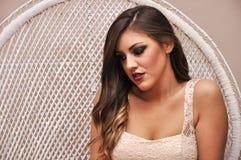Moça bonita com um vidro do champanhe Fotografia de Stock