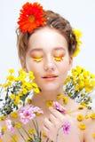 Moça bonita na imagem da flora, retrato do close-up imagens de stock royalty free