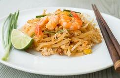 Mości Tajlandzkich, smażących ryżowych kluski z garnelami, Obrazy Royalty Free