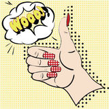 A mão com o indicador aumentado no fundo amarelo com discurso borbulha para o texto Feito à mão fêmea no estilo do pop art Fotografia de Stock