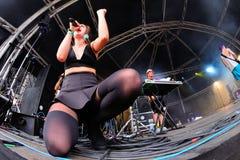 MO (de Deense zanger en songwriter ondertekenden aan Sony Music Entertainment) prestaties bij Sonarfestival Stock Fotografie