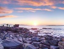 7mo de febrero de 2017, isla de Skye, Escocia Lección de la toma de los fotógrafos en taller de la puesta del sol imagen de archivo libre de regalías