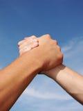 Mão em uma mão Fotografia de Stock Royalty Free