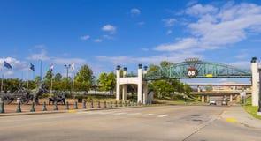 11mo puente de la calle sobre Route 66 en Tulsa Oklahoma - TULSA - OKLAHOMA - 17 de octubre de 2017 Imagen de archivo