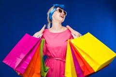 Moça com pacotes Fotos de Stock Royalty Free